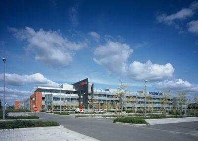 PUNCH INTERNATIONAL (XEIKON)Productiehal, kantoren, parking