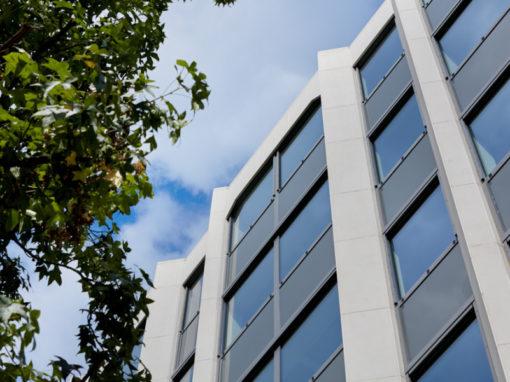 FLUXYS<br><span style='color:#31495a;font-size:12px;'>Kantoorgebouw Guimardstraat 4 </span>