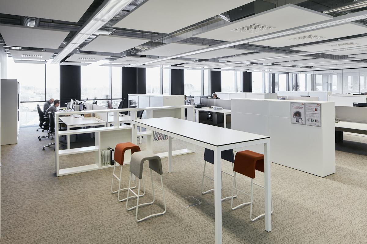 Kantoren in de uitbreiding van de productiehal drukkerij Verstraete Maldegem