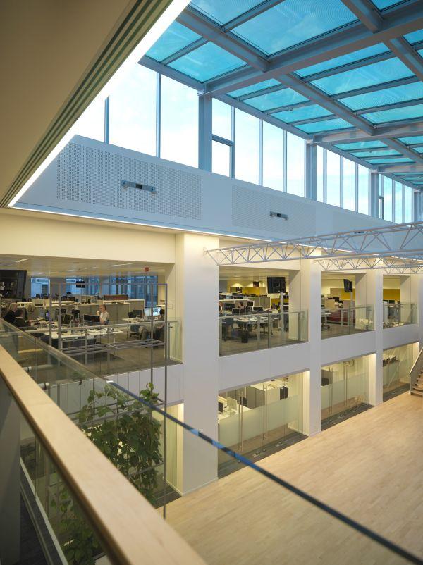 Nieuw VRT gebouw met kantoren en parking, Brussel