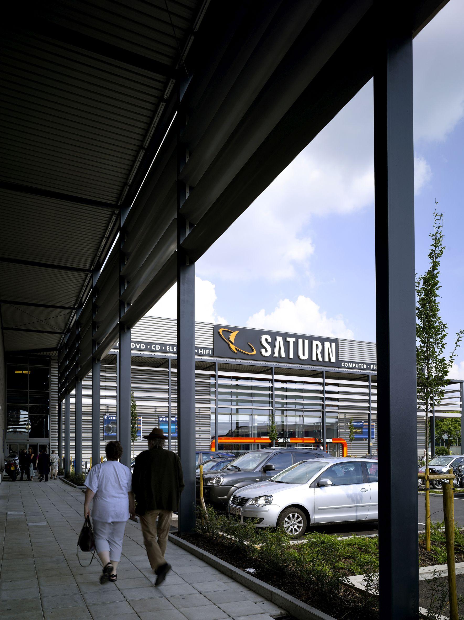 Retail Brico/Mediamarkt Wilrijk, parking. Project i.s.m. Michel Pauwels