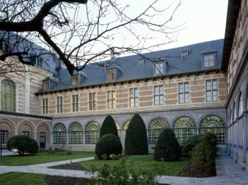 INSTITUTE FOR TROPICAL MEDICINE<br><span style='color:#31495a;font-size:12px;'>Classrooms and offices St.-Rochus convent</span>