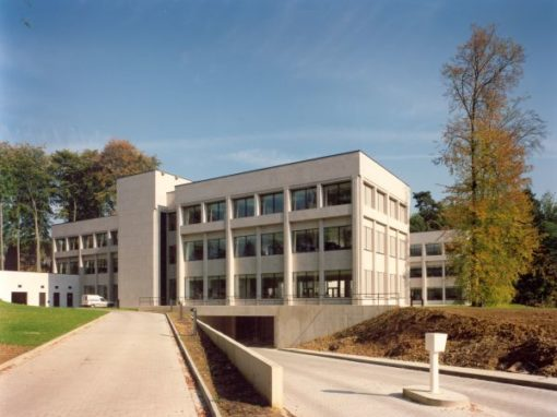 DOW CORNING<br><span style='color:#31495a;font-size:12px;'>European headquarters</span>