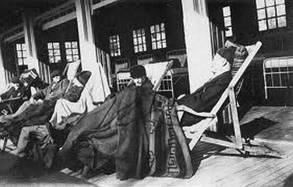 Oude foto van patiënten van voormalig Sanatorium Lemaire Tombeek